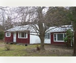 3 BEDROOM EAST HAMPTON YEAR ROUND!