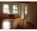 Must See Large 1 Bedroom Apartment in Doorman/Elevator Building in Midtown East/Murray Hill
